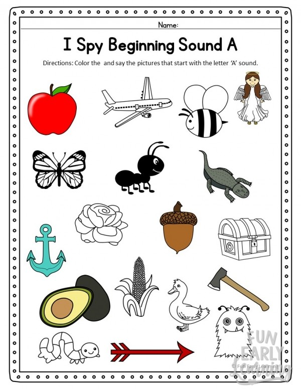 I Spy Beginning Sounds Phonics Activity. Fun free printable for preschool, kindergarten, RTI, and early childhood. It's a great way to work on initial sounds, phonics, and matching! #phonics #initialsounds #freeprintable
