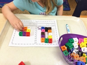 Snap Cube Letters Activity. Fun hands-on activity for kids. Great for preschool, kindergarten, and early childhood. #letters #letteractivity #literacycenter #preschool #kindergarten #earlychildhood #freeprintable #freactivity #snapcubes