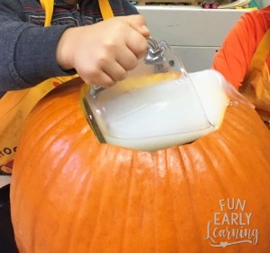 Pumpkin Seed Slime Science Experiment and Sensory Play. Great activity for toddlers, preschool, kindergarten, and early childhood!