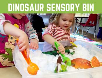 Dinosaur Excavation Sensory Bin! Fun dinosaur sensory activities for children, preschool, kindergarten. Perfect for a dinosaur theme. #sensorybin #sensoryplay #funearlylearning